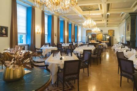 Case: Grand Hotel Karel V vervangt honderden gloeilampen in kroonluchters door LED met intelligente sturing