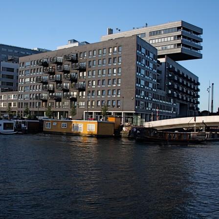 Case: Westerdok kiest voor ombouwen armaturen hallen en trappenhuizen
