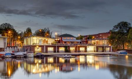 Roei- en Zeilvereniging 'De Amstel' kiest voor praktische verlichting in de botenopslag