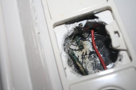Case: Een doorgerotte kabel zorgde voor stroomuitval bij VVE Dolfijn, maar ook voor een onveilige situatie