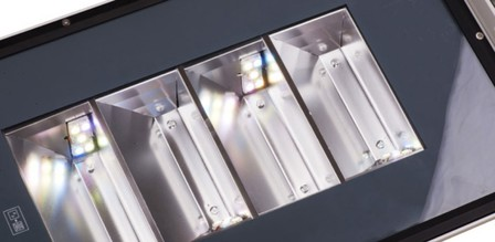 Mesopisch koffer armatuur rechte hoeken
