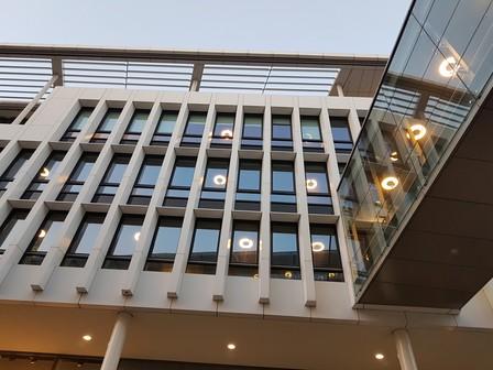 Het ombouwen van de Philips Rotaris voor het moderne, aan de Maas gelegen Gemeentehuis van Maastricht